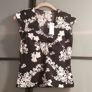 Old Navy Floral Black & White Top, Size XSmall